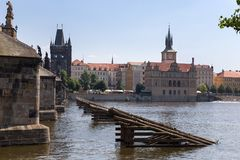 查尔斯桥梁和伏尔塔瓦河河 布拉格,捷克共和国 库存照片