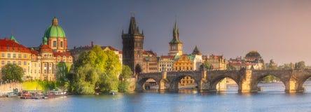 查尔斯桥梁布拉格,捷克看法  库存照片