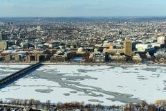 查尔斯河和后面海湾在波士顿,美国 库存图片