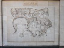 查尔斯・狄更斯安心雕塑和纪念,马里波恩路, 免版税库存图片