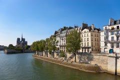 查找巴黎 免版税库存图片