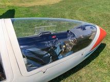 查找通过滑翔机机盖 免版税库存照片