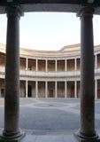 查理五世宫殿的庭院阿尔罕布拉宫宫殿的,格拉纳达 库存照片