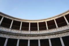 查理五世宫殿的庭院阿尔罕布拉宫宫殿的,格拉纳达 免版税库存照片