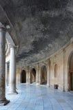 查理五世宫殿的庭院阿尔罕布拉宫宫殿的,格拉纳达 免版税库存图片