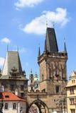 查理大桥,布拉格一点镇桥梁塔和朱迪思的塔  库存照片