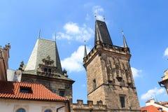 查理大桥,布拉格一点镇桥梁塔和朱迪思的塔  免版税库存照片