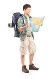 查看映射的男性远足者全长纵向 免版税库存照片