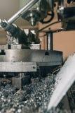查询行业设备金属工具 涂药器炮铜铆钉铆牢讨论会 免版税库存图片