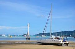 查龙海湾码头,当水平面低在普吉岛泰国 库存图片