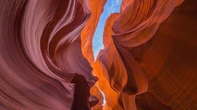 查寻从一个槽孔峡谷的内部在亚利桑那 库存照片