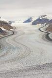 查寻一座高山冰川 库存照片