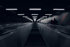 查寻在地铁自动扶梯 库存照片