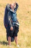 查寻的滑翔伞准备好下次飞行 图库摄影