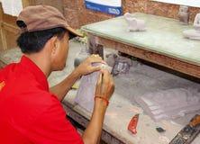 柬埔寨人做手工造 库存照片
