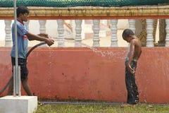 柬埔寨儿童使用 免版税库存照片