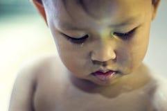 柬埔寨儿童哭泣的贫寒 图库摄影