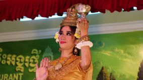 柬埔寨剧院在地方餐馆在暹粒市 股票录像