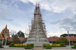 柬埔寨宫殿penh phnom皇家坟茔 库存图片