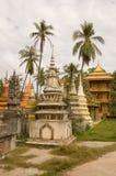 柬埔寨掌上型计算机收割siem stupas结构树 库存照片