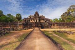 柬埔寨收割siem Baphuon是寺庙在吴哥城大门 免版税库存图片