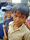 年轻柬埔寨男孩在学校 库存图片