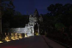 柬埔寨 吴哥城 angkor banteay柬埔寨湖lotuses收割siem srey寺庙 暹粒省 免版税库存照片