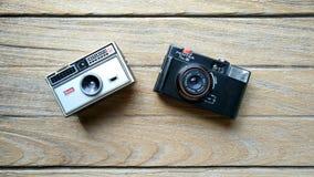 柯达instamatic 104和Pentax皮诺35 库存照片