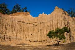 柱子土壤山与蓝天,泰国的 图库摄影