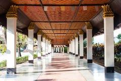柱子在Wang Wiwekaram寺庙, Sangkla buri 免版税图库摄影