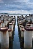 柱子的反映与线路的 库存照片