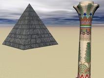 柱子金字塔 免版税库存照片
