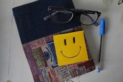 柱子 微笑 免版税库存照片