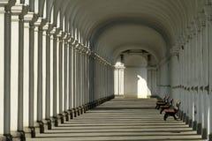 柱廊在花卉庭院Kromeriz里 库存图片