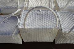 柳条塑料篮子 免版税库存图片