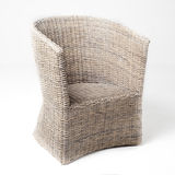 柳条扶手椅子白色 免版税库存图片
