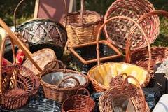 柳条的篮子 免版税库存照片