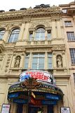 标准剧院大厦入口伦敦英国 库存照片