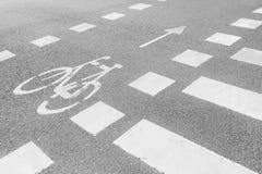 标号自行车道路和行人交叉路 库存图片