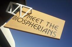 标志在生物圈二号读集会Biospherians在Oracle在图森, AZ 免版税库存照片