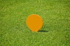 标志的高尔夫球发球区域 库存照片