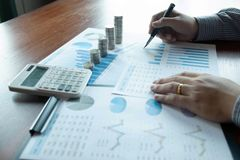 标志硬币事务,财务,财政成长,咨询的投资,财务,投资,事务,工作,会计 库存照片