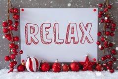 标签,雪花,圣诞节球,文本放松 免版税图库摄影