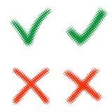 标记X和V在中间影调 绿色勾子和红十字 是和没有图标 正确和错误标志 红十字,绿色壁虱 免版税图库摄影