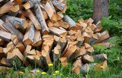 栈木柴 大堆熔炉的,背景木柴 库存照片