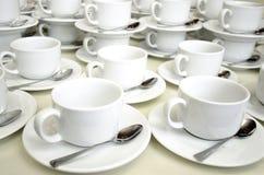 栈空的咖啡杯 图库摄影