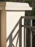 栏杆的支明暗差别强烈详细资料 库存照片