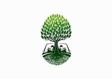 树教育商标、早期的书读者象、学校知识标志和自然童年学习构思设计 向量例证