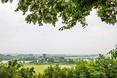 从树木园的观点河莱茵河在瓦赫宁恩Netherlan 库存图片