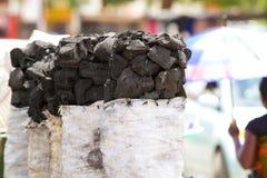 树木炭待售 免版税库存图片